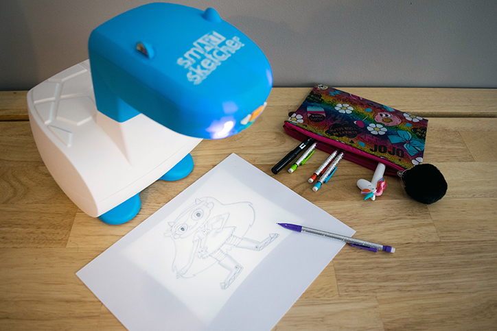 5 Creative Ways to Use Your smART Sketcher Projector