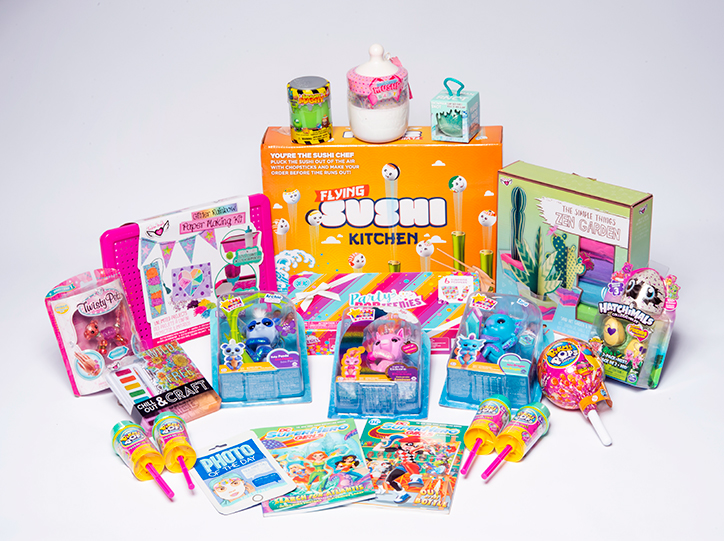 YAYOMG! Holly Jolly Prize Pack Giveaway